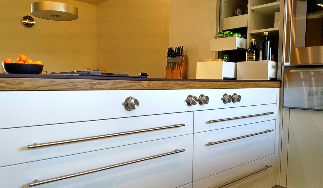 Küchenumbau nach Mass – Planung, Produktion und Montage